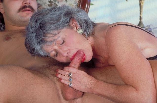 Hausfrau blowjob